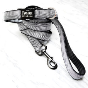 black white herringbone collar